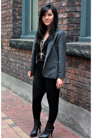 black wilfred top - black community pants - gray SilenceNoise blazer - black Zar