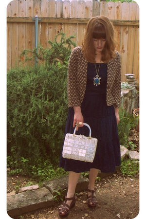 blue Mizrahi dress - white vintage purse - brown thrift blazer
