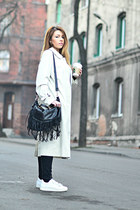 beige trench coat second hand coat - white Adidas sneakers