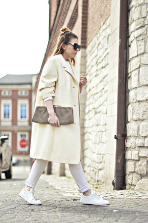 white oversized vintage coat - white Mango sneakers