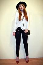 black Zara hat - navy Mango jeans - black across body bag H&M bag