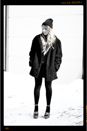 silver glitter Topshop wedges - black fur vintage jacket