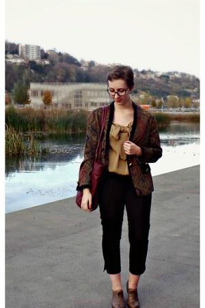 tan Zara top - crimson vintage jacket - crimson texto bag - tan vintage flats