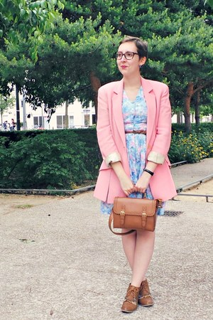 light blue vintage dress - brown andré boots - bubble gum vintage blazer