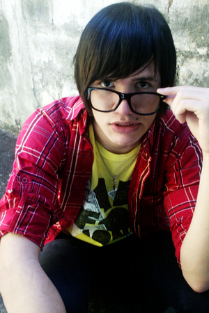 rayband glasses - Zara jeans - Zara t-shirt - pull&bear shirt