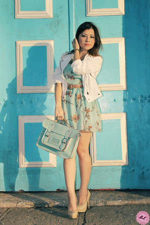 aquamarine bag - aquamarine dress - white jacket - beige pumps