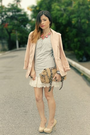bubble gum necklace - nude blazer - silver shirt - eggshell pumps