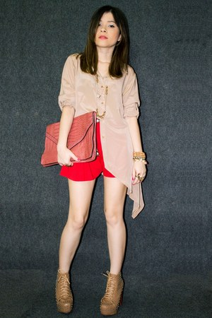 nude boots - red shorts - tan blouse