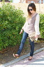 Navy-stradivarius-jeans-beige-h-m-shirt-camel-primark-purse