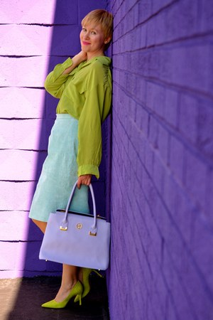 chartreuse silk Nordstrom shirt - light purple leather Segolene bag