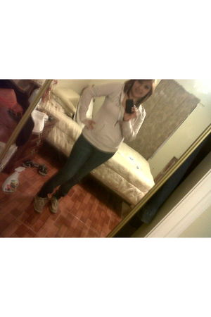pink Aeropostale sweater - blue jeans - beige Dexter shoes