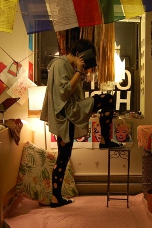 Gap top - American Apparel leggings - Converse shoes