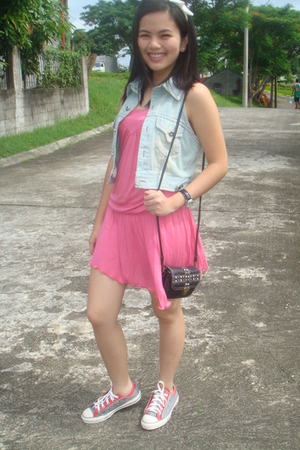 pink Tomato dress - Converse shoes - black studded bag Adore