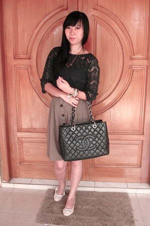 navy lace top Zara top - black Chanel bag - camel button skirt