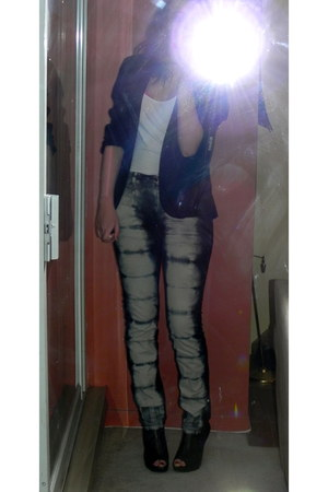 tie dye American Apparel jeans - black Urban Outfitters blazer - ankle boots Ald