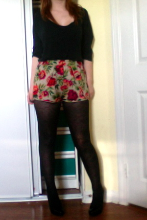 black Urban Outfitters tights - black Steve Madden shoes