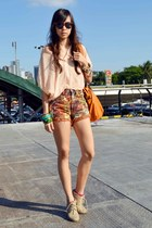 peach Muffin top - beige Janylin boots - Pink x Pretty shorts - Super sunglasses