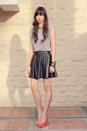 leather Forever 21 skirt - printed The Second Shop top - UrbanOG heels