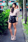 Black-leatherette-f-h-shorts-light-pink-polka-the-second-shop-top-light-pink