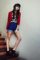 ruby red printed H&M sweater - wooden clogs Summersault shoes - black WAGW hat