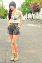 olive green high waist vintage shorts - mustard animal print Asian Vogue wedges