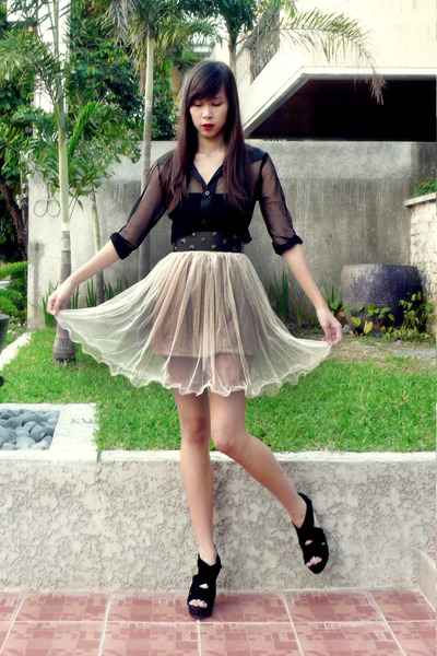 black F-Stop top - Shop Vintage Finds skirt - Cintura belt - black shoes