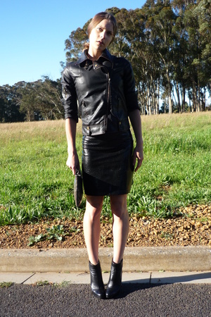 UO jacket - vintage skirt - JS shoes - Club Monaco purse