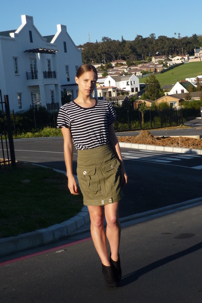 joe fresh style shirt - LAMB skirt - Zoom shoes