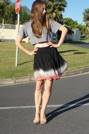 American Apparel shirt - forever 21 skirt