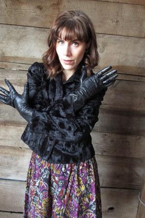 vintage gloves - casual corner jacket - vintage skirt