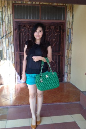 chartreuse green Chanel bag - aquamarine hot pants pants pants
