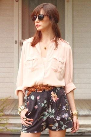 Lenna Agnes shorts - pocket blouse blouse - vintage belt