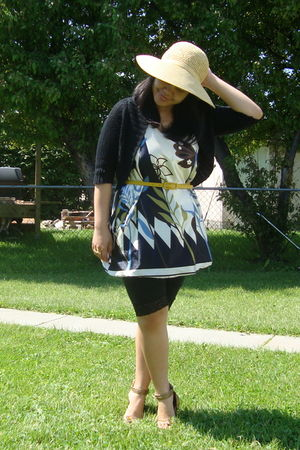 2aeeee7161d4a beige Walmart hat - white maldita dress - black Sirens leggings - gold Divi  shoe