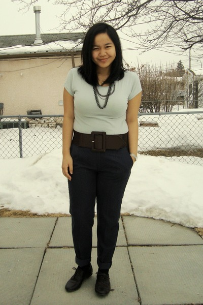 green Greenhills top - brown Sirens belt - blue Zara pants - black Sirens neckla