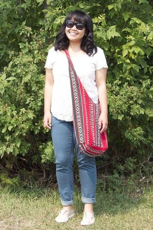 black Forever 21 sunglasses - red flea market bag - white Talula top