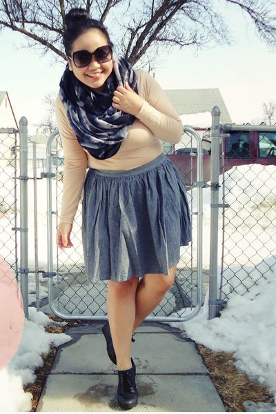 dark gray American Apparel scarf - nude Uniqlo top