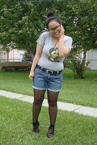 gray team manila t-shirt - blue Old Navy shorts - black joe fresh style tights -