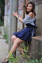 white Zara t-shirt - blue skirt - blue shoes - black necklace - purple Glam rock