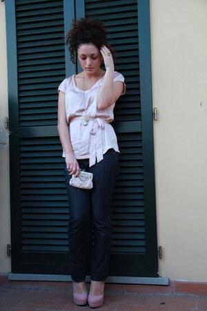 navy dark Zara jeans - light pink embroidered Accessorize purse - light pink pla