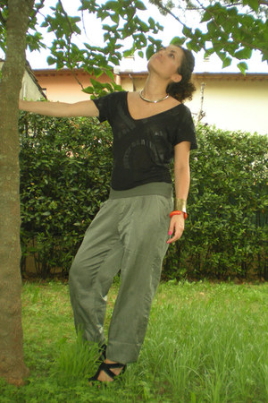 black strappy Zara heels - black large Koralline t-shirt - dark khaki wide leg s