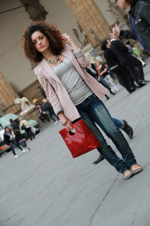 navy Koralline jeans - light pink Zara blazer - ruby red real leather Tuscany Le