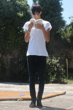 black Primark shoes - navy Primark jeans - white pull&bear t-shirt