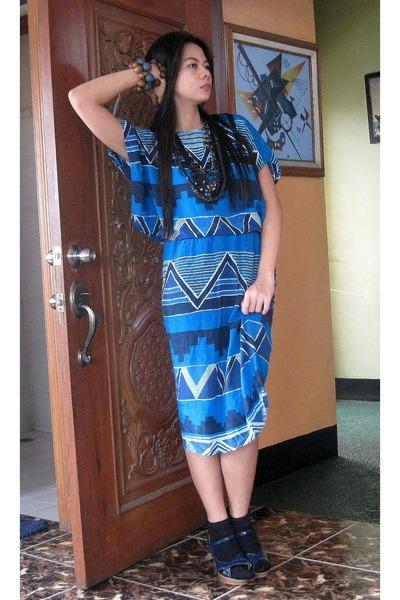 blue bought online dress - blue Matthews shoes - black socks - black necklace -