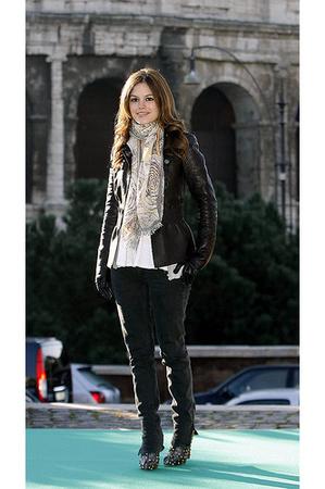 rachel bilson: studded boots