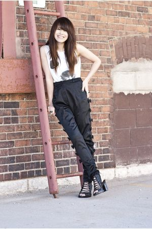 black munchus pants - white Topshop top - black ann demeulemeester shoes