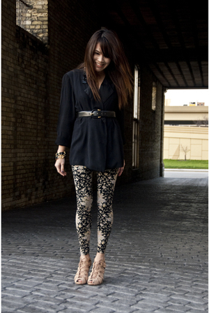 vintage blazer - Urban Outfitters tights - Topshop shoes