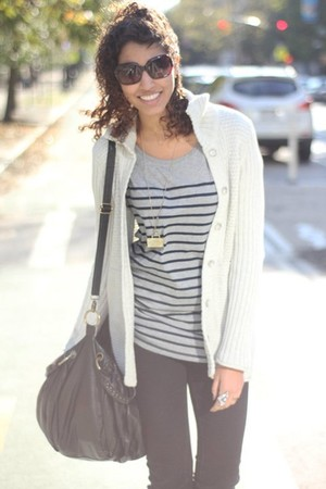 heather gray calvin klein cardigan - charcoal gray Gap t-shirt - black delias je