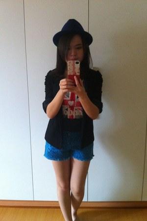 Elizabeth blazer - H&M hat - Forever 21 shorts - Mango blouse