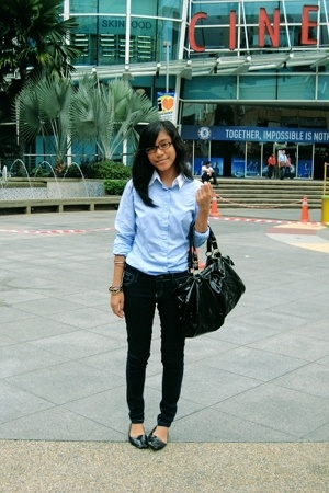 Pull & Bear shirt - forever 21 jeans - Mums purse - Topshop shoes