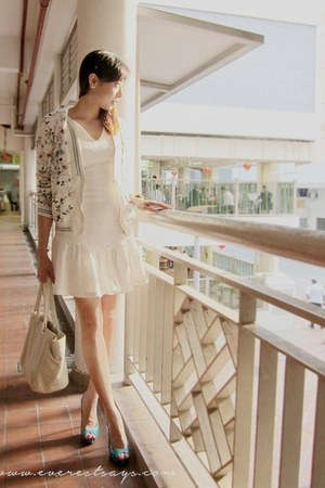 white dress - white bomber Zara jacket
